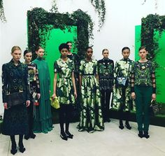 #greenery da @piccione.piccione  #piccionepiccione #fw1718 #mfw #mfwfw1718 #milanofashionweek2017 #milanofashionweek  by @giupac79  via ELLE ITALIA MAGAZINE OFFICIAL INSTAGRAM - Fashion Campaigns  Haute Couture  Advertising  Editorial Photography  Magazine Cover Designs  Supermodels  Runway Models
