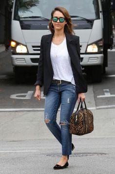 Jessica Alba - Jessica Alba Goes Shopping