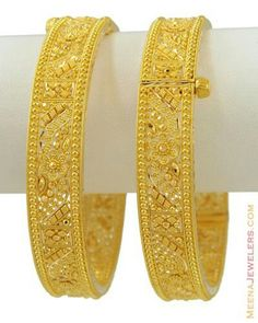 Bangles Gold Bangles Design, Gold Jewellery Design, Gold Jewelry, Gold Necklace, Gold Kangan, Bengali Wedding, Indian Jewelry Earrings, Mens Gold Rings, Bridal Bangles