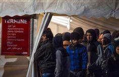 FIGAROVOX/TRIBUNE - L'Assemblée nationale a adopté jeudi 18 janvier le projet de loi sur l'immigration de MM. Valls et Cazeneuve. Pour Alexis Théas, elle complique davantage la lutte contre l'immigration illégale.