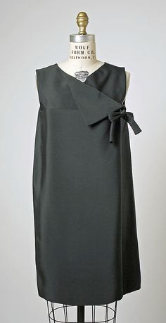 Silk dress by House of Balenciaga, ca. 1966. Want to make one like this!