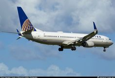 N66825 United Airlines Boeing 737-900ER