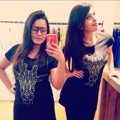 Carina e Denise com as camisetas GIRAFFE PROJECT da FUSS :)