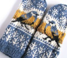 Thick & fast pattern by Natalia Moreva Ravelry: Project Gallery for Titbird. Thick & fast mittens pattern by Natalia Moreva Crochet Mittens, Mittens Pattern, Knitted Gloves, Knit Or Crochet, Crochet Pattern, Knitting Charts, Knitting Socks, Hand Knitting, Knitting Patterns