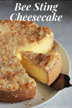 No Bake Desserts, Easy Desserts, Delicious Desserts, Dessert Recipes, Yummy Food, Food Cakes, Cupcake Cakes, Cupcakes, Bee Sting Cake