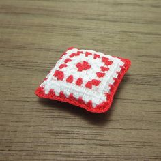 Red tiny cushion for dollhouse 12th scale, miniature granny square pillow in red and white, dollhouse miniature artisanmodel #56