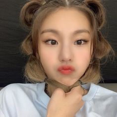 Shared by 맨디. Find images and videos about kpop, itzy and yeji on We Heart It - the app to get lost in what you love. Kpop Girl Groups, Korean Girl Groups, Kpop Girls, Make Up Braut, Cute Icons, Ulzzang Girl, New Girl, K Idols, Bangkok