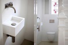 Para un aseo el equipo perfecto, lavamanos e inodoro suspendido de NotOnlyWhite. © DR