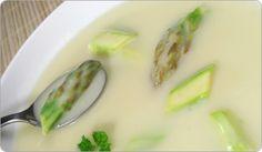 QUICK ASPARAGUS SOUP: Delicious, quick and easy soup  #asparagus #soup