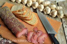 To jeden z łatwiejszych sposobów na pyszną, domową wędlinę, bez specjalnego wysiłku i wędzenia. Smak jej jest wyborny i przypomina długodojr... Smoking Meat, Sausage, Recipes, Cos, Hams, Sausages, Recipies, Ripped Recipes, Cooking Recipes