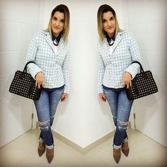 Bom dia!!! Desenterrei esse casaco de tweed do armário e achei que até que combinou com o look do dia de sexta!! Tenham um bom dia!!! | Cris Azambuja | crisazambuja_ Instagram Photo Profile