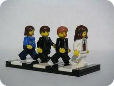 Lego - The Beatles, Abbey Road by Dunechaser Ringo Starr, George Harrison, John Lennon, Paul Mccartney, Stuart Sutcliffe, Les Beatles, Beatles Art, Liverpool, Abbey Road