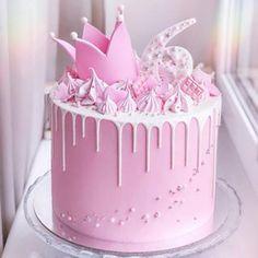 Crown Chocolate Drip Cake, Food & Drinks, Baked Goods on Carousell Bolo Barbie, Barbie Cake, Pink Birthday Cakes, Beautiful Birthday Cakes, Birthday Cake Crown, Cake Cookies, Cupcake Cakes, Gateau Baby Shower, Drop Cake