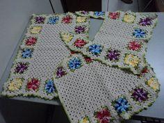Feito de barbante em crochê. 3 peças....