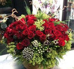 imgend...fantastic enormous christmas bouquet!