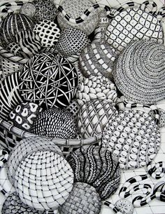 I've heard about zentangle and have seen a few drawings but have never tried it myself. Looks awesome though