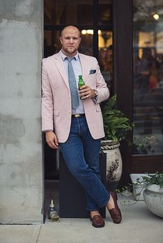 Suit jacket and jeans can look great on any guy.