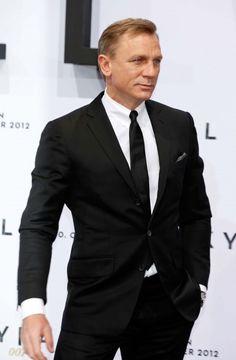 Daniel Craig is GQ's best-dressed man for 2012. #fashion