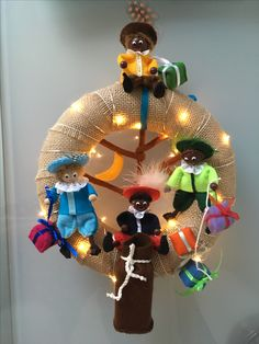 School Decorations, Diys, December, Felt, Wreaths, Christmas Ornaments, Halloween, Holiday Decor, Home Decor