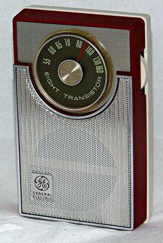 Vintage General Electric Model 1730 Transistor Radio, Broadcast Band Only (MW), 8 Transistors, Circa 1966.