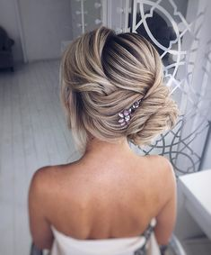 Beautiful updo hairstyles, upstyles, elegant updo ,chignon ,bridal updo hairstyles ,swept back hairstyles,wedding hairstyle #weddinghairstyles