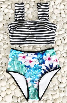 This summer is so lit~ Treat yourself to something special. Cupshe flower & stripe print bikini set is irresistible. With high-waisted fit and padding bra, this bikini set wears extremely comfortable. Shop now.