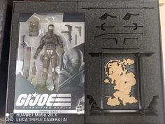 This is New Snake Eyes GI JOE has leaked out ahead of and it looks incredible! In Star Wars Black Series like packaging this exclusive version comes with extra goodies and a beautiful outer box we'll share next. Leica, Snake Eyes Gi Joe, Wolf Name, Pet Wolf, Snake Images, Robby The Robot, Keep My Fingers Crossed, Sailor Moon R, The Iron Giant