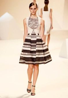 I cannot help myself! I am a big fan of ELIE SAAB!  Ready-to-Wear Spring Summer 2013 Fashion Show