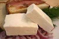 Romanian Food For Foreigners: Telemea de vaca Romania Food, Cow Cheese, Cheese Food, White Cheese, Raw Milk, White Cow, How To Make Cheese, Feta, Good Food