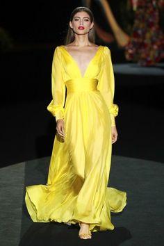 Hannibal Laguna Madrid Spring-Summer 2020 – Parade - All About Catwalk Fashion, Fashion Week, Fashion 2020, Women's Fashion, Fashion Trends, Vogue Paris, Vestidos Fashion, Fashion Dresses, Girly Outfits
