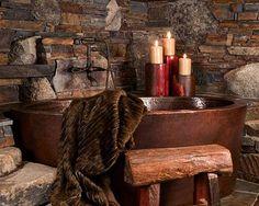 Rustic bathroom design with copper tub. Rustic Bathrooms, Dream Bathrooms, Beautiful Bathrooms, Luxury Bathrooms, Modern Bathroom, Cabin Homes, Log Homes, Copper Tub, Hammered Copper
