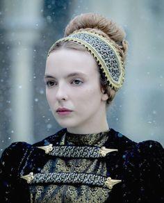 Jodie Comer as Elizabeth of York in The White Princess. Elizabeth Of York, Princess Elizabeth, I Love Series, Elizabeth Woodville, Grandeur Nature, Jodie Comer, White Queen, Medieval Clothing, Movie Costumes