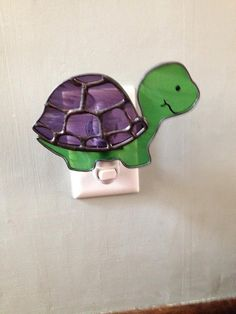 Stained Glass Turtle Night Light or Sun Catcher by CraftsbyTine Stained Glass Night Lights, Stained Glass Ornaments, Stained Glass Lamps, Stained Glass Projects, Stained Glass Patterns, Fused Glass, Turtle Pattern, Glass Animals, Glass Birds