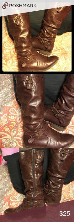 White Mountain brown tall boots 👢 White Mountain brown tall boots 👢Super cute size 10 tall riding boots. White Mountain Shoes