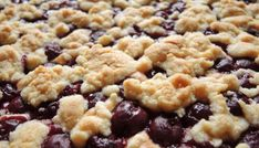 Kirsch-Streusel-Kuchen vom Blech Cherry crumble cake from the tin with canned sour cherries always tastes good, can be prepared well and is very good to take away. Cherry cake with crumbleCherry Crumble Cake auEasy Crumble Cherry Pie Homemade Sweet Potato Pie, Vegan Sweet Potato Pie, Sweet Potato Muffins, Sweet Potato Pecan, Brown Sugar Sweet Potatoes, Cherry Crumble, Cheesecake, Easy Pie Recipes, Gateaux Cake