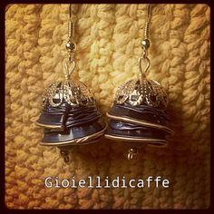 Orecchini campanella creati con capsule Nespresso