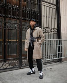20 more urban winter outfits men street styles ; Street Style Outfits Men, Casual Street Style, Mens Dressing Styles Casual, Best Mens Fashion, Moda Emo, Men Street, Street Fashion, Menswear, Blazer