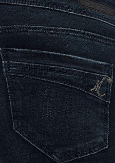 Push-up teknolojisi ile bir beden ince gösteren, diz yapmayan, vücudu sımsıkı saran süper esnek Glam Fit Jean.