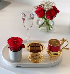 Coffee Is Life, Coffee Set, Coffee Cafe, Coffee Drinks, Arabic Coffee, Turkish Coffee, Beaded Wedding Cake, Foods For Abs, Food Platters