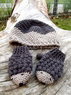 Crochet  mittens and hat set, hedgehog mittens and beanie, wool mittens and beanie for toddlers age 12 to 18 months op Etsy, 14,85€