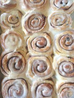 Cinnamon Buns- so gooey, so much icing, so yummy !