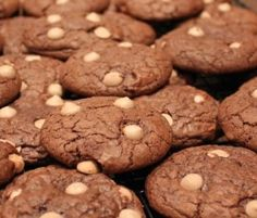 Chocolate Fudge Caramel Cookies: These delicious cookies are perfect for after school treats for the kids. http://www.bakers-corner.com.auhttps://www.bakers-corner.com.au/recipes/cookies/chocolate-fudge-caramel-cookies/