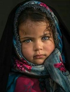 Photography portrait beauty children New ideas Precious Children, Beautiful Children, Beautiful Babies, Kids Around The World, People Of The World, Pretty Eyes, Cool Eyes, Beautiful Soul, Beautiful People