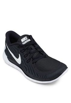 nike free running shoes womens