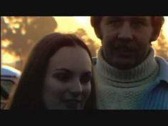 (2:50)(Great footage) Stereo Total - Patty Hearst