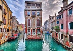 Venice, Italy...I seriously need to get my behind on a plane and head straight to Italy!!