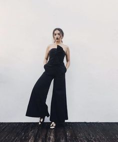 @earthlingmaxi in the CiCi jumpsuit from Fame and Partners.