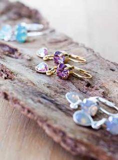 Lovely Dooor earrings, available at www.ciraad.nl/overzicht/dooor