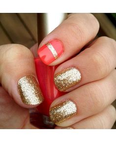 Gold Glitter Nails with accent nail