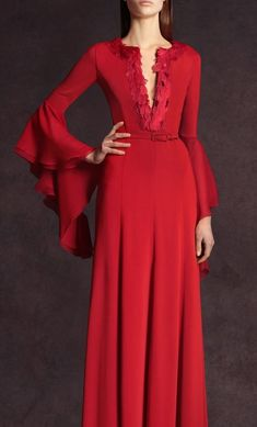 Red long dress with a deep split neckline and full smooth skirt. The slim sleeves have a to-die-for Medievel layered bell flounce. Andrew Gn Pre-Fall Photo: Anne Combaz / Courtesy Of Andrew GN Red Fashion, Fashion Show, Fashion Design, Party Dresses Uk, Dresses 2013, Long Dresses, Dress Party, Maxi Dresses, Dress Long